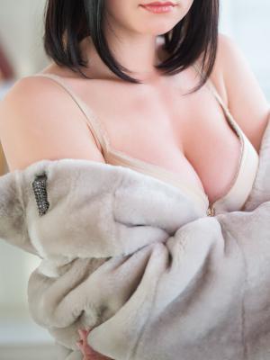 アキ(AKI)04